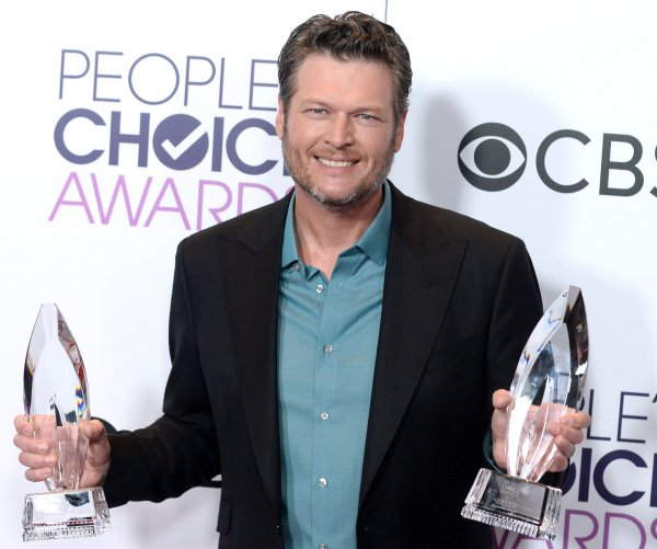2017 People's Choice Award winners -- Ellen DeGeneres, Blake Shelton score multiple prizes