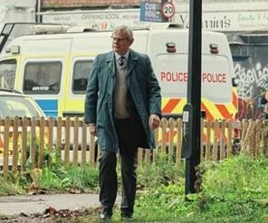Martin Clunes: Real-life detective was model for 'Manhunt' authenticity