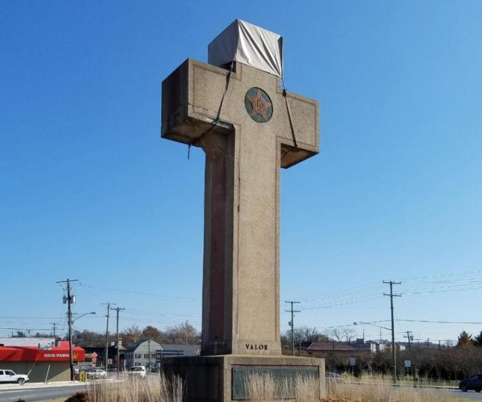 Supreme Court: WWI memorial cross doesn't violate church-state clause