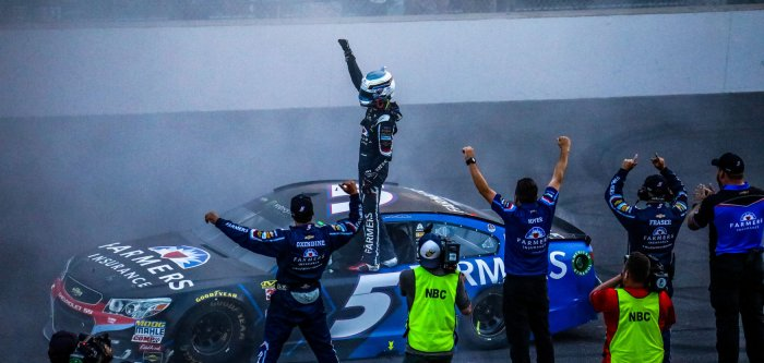 Kasey Kahne wins the Brickyard 400