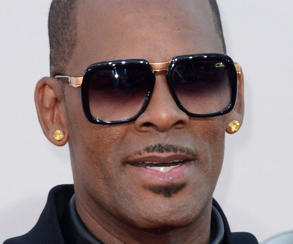 R. Kelly's bond set at $1M on criminal sex abuse charges