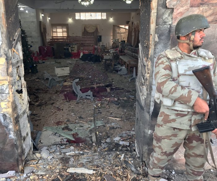 Suicide bombers kill at least 9 in Pakistan church