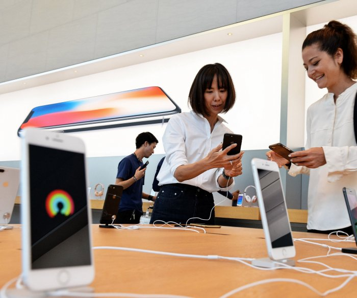 Apple market value down $50B since iPhone unveiling