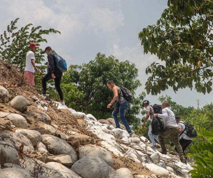 U.S., El Salvador sign deal limiting asylum seekers