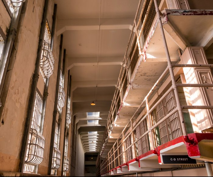 DOJ: Prison populations fall with crime rate as drug sentencing declines