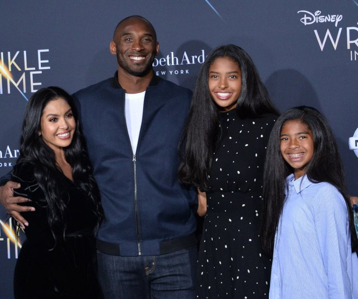Lakers legend Kobe Bryant, daughter among 9 killed in helicopter crash