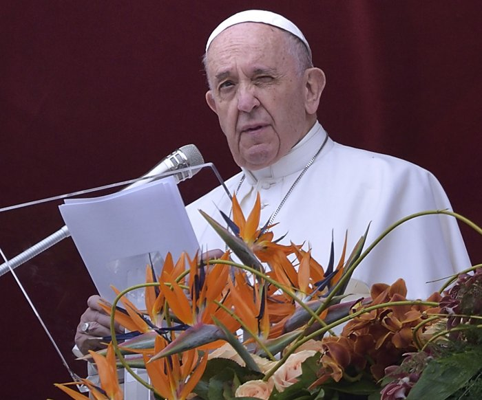 Pope describes Easter as 'beginning of the new world' amid misfortune