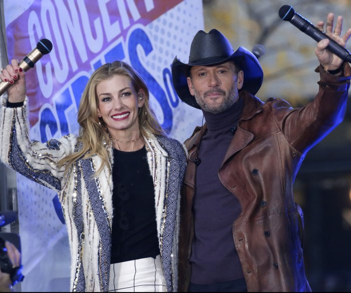 Faith Hill and husband Tim McGraw perform on 'Today' in NYC
