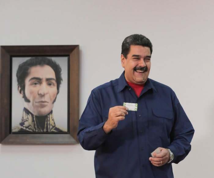 Venezuela calls for early presidential elections in April