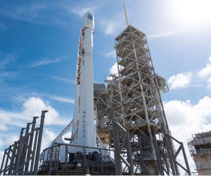 SpaceX postpones launch of spy satellite one day