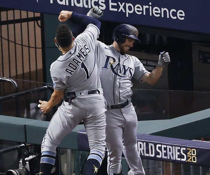 Rays beat Dodgers 6-4 to even World Series at 1 game apiece