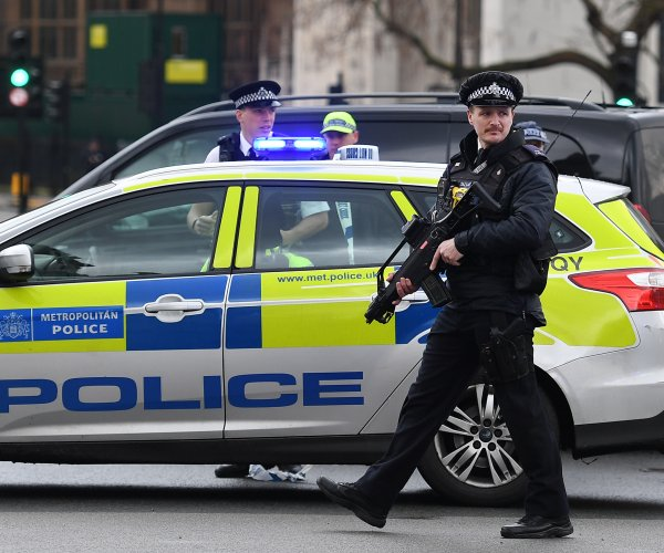 London's Met Police arrest 8 after Westminster attack