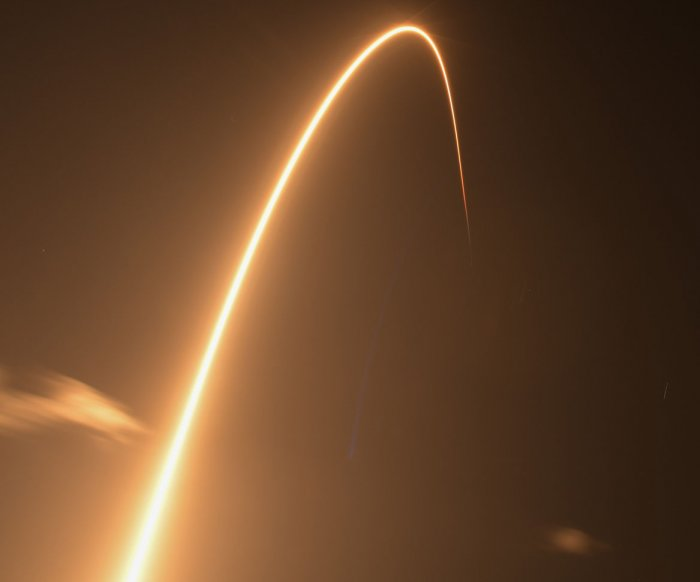 SpaceX launches Starlink satellites from Florida