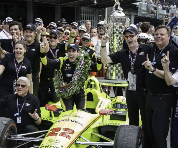Simon Pagenaud fends off Alexander Rossi, wins Indy 500