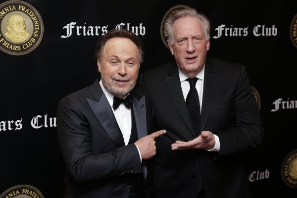 Friars Club honors Billy Crystal with Entertainment Icon Award