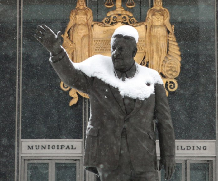 Philadelphia takes down statue of former Mayor Frank Rizzo