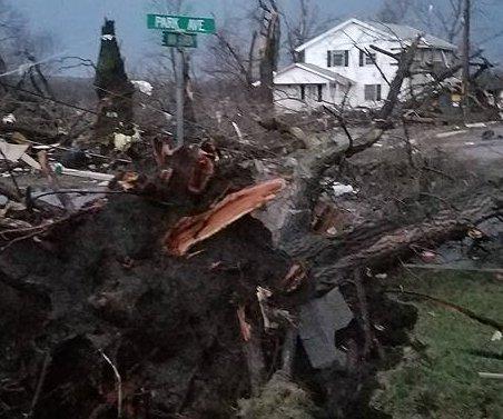 At least three people die in Midwest storms