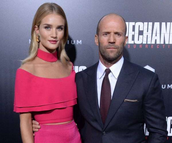 Jason Statham premieres 'Mechanic: Resurrection' in Los Angeles