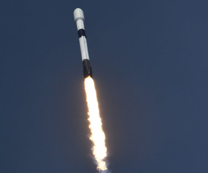 SpaceX launch boosts Starlink network to 480 satellites