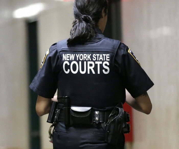 N.Y. closes legal loophole so it can charge pardoned offenders
