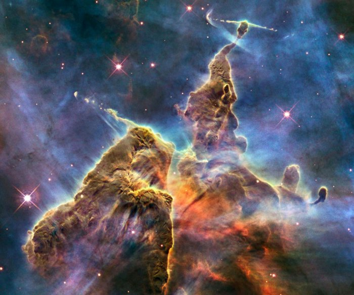 Space dust could carry life from planet to planet