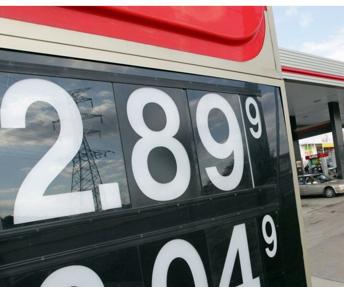 Experts: U.S. gas price stability masking some volatility