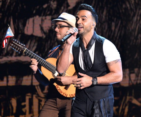 Luis Fonsi, Juanes perform at the Latin Grammys in Las Vegas