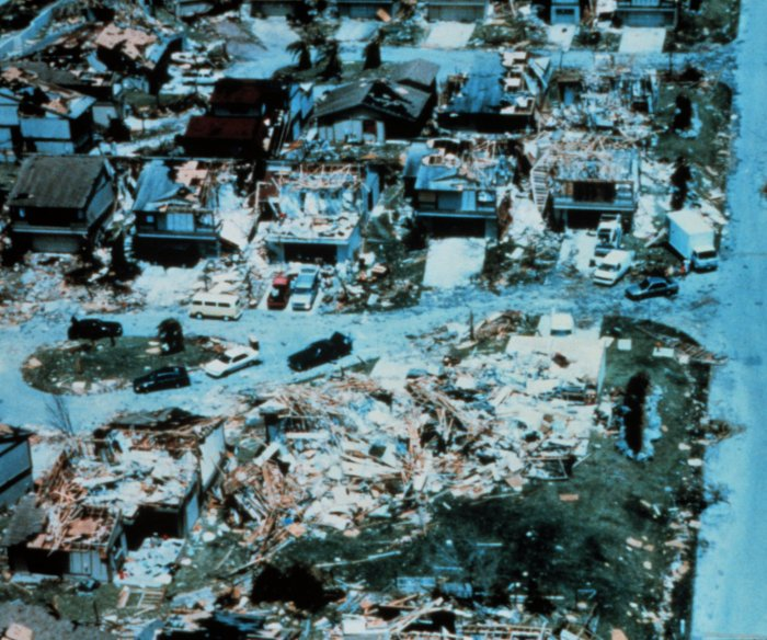 25 years ago: Misery, desperation after Hurricane Andrew