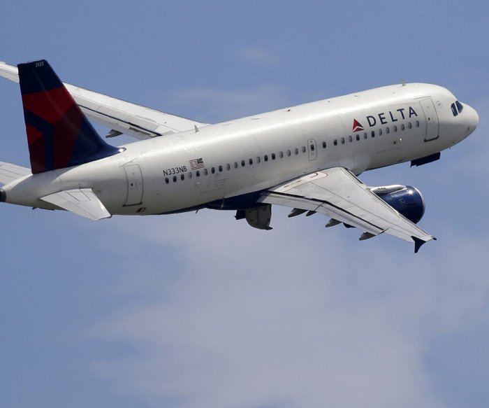 Delta reports $7B Q2 loss; Qantas alters schedule through March