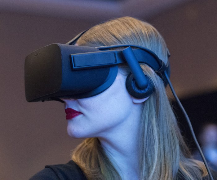 Think Facebook can manipulate you? Look out for virtual reality
