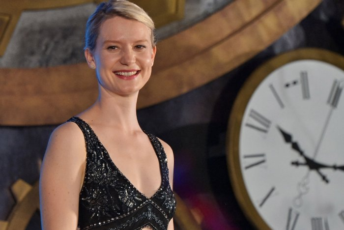 Mia Wasikowska premieres 'Alice Through the Looking Glass' in Tokyo