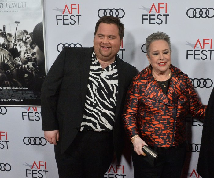 Kathy Bates, Paul Walter Hauser want justice for Richard Jewell