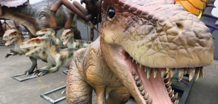 Behind the scenes at China's animatronic dinosaur factory