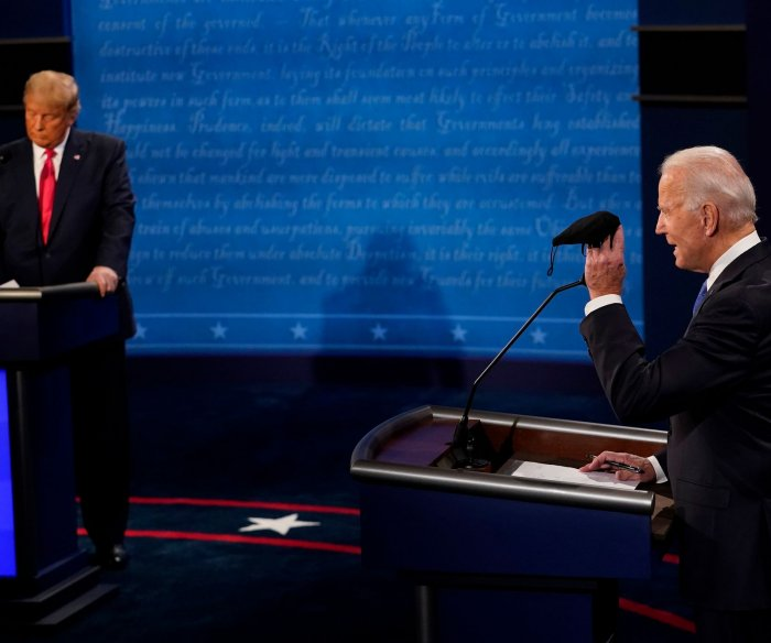 Biden says Trump 'should not remain as president' due to COVID-19 deaths
