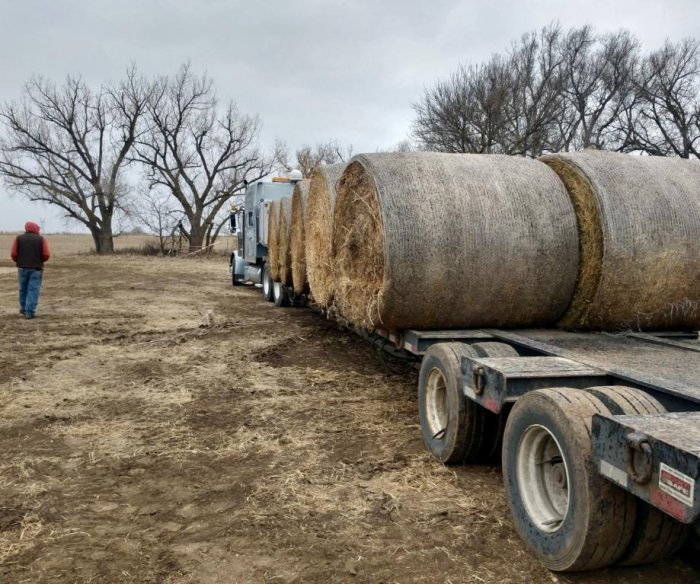 Truckers find trouble delivering supplies to Midwest flood victims