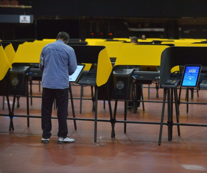 Gallup: Most in U.S. eager to vote, fearful about 'losing' election