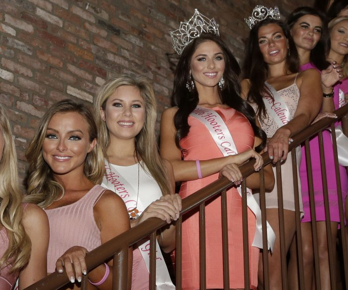 2016 Hooters Calendar Girls