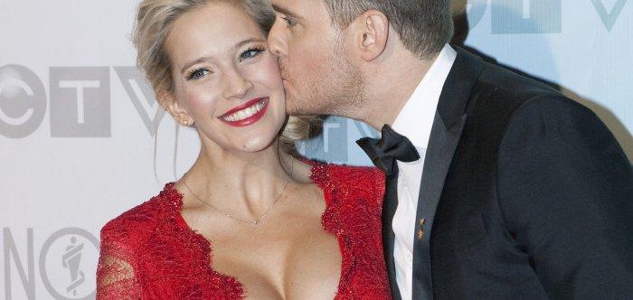 Pregnant celebrities of 2016