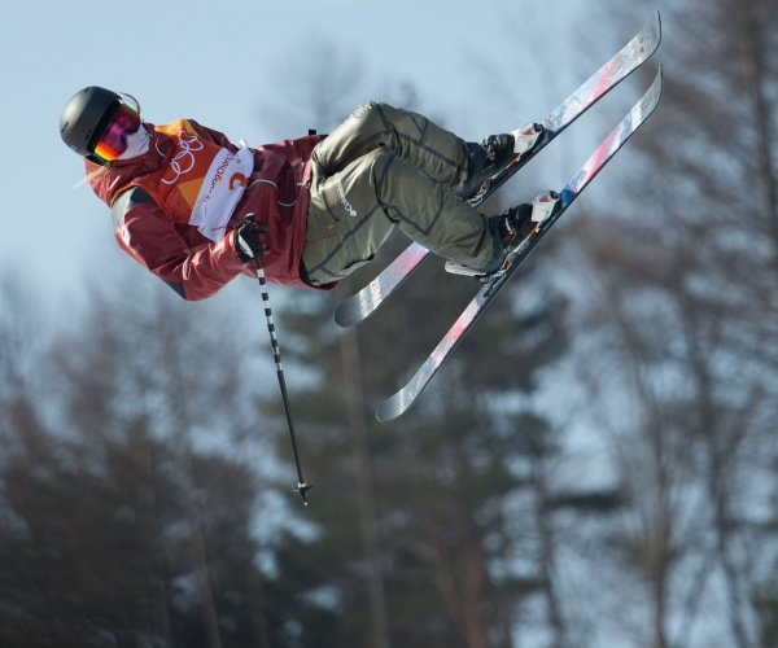 Canada's Sharpe wins freestyle skiing women's halfpipe