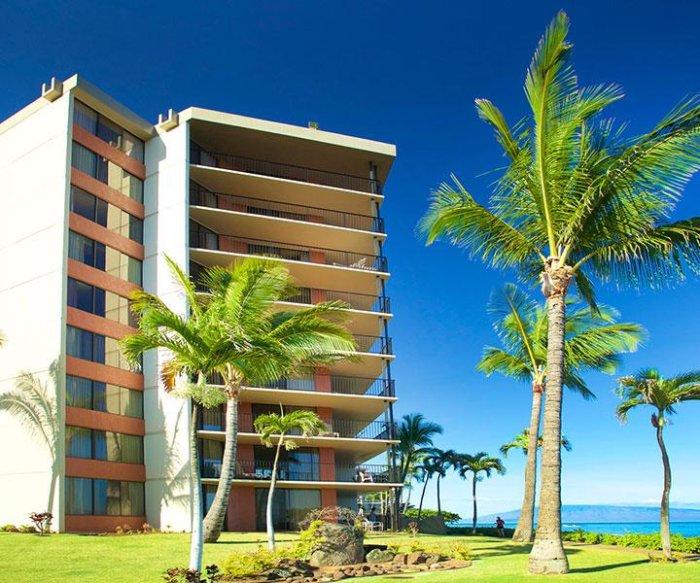 California man dies in apparent shark attack in Hawaii
