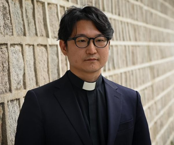 Suspended South Korean pastor challenges church's position on LGBTQ issues