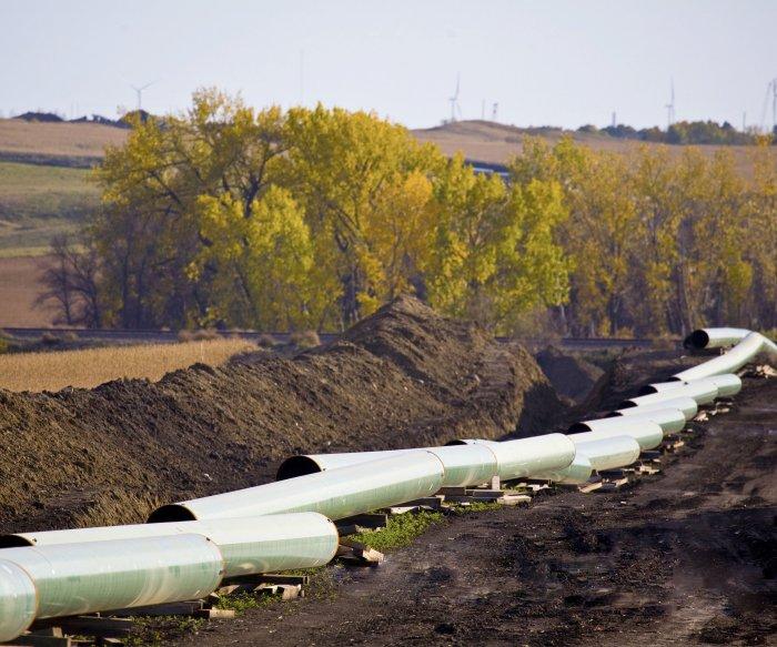 Pipeline leak raises questions over fate of Keystone XL