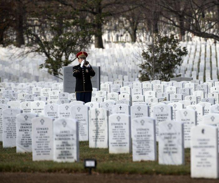 Watch live: Trump gives Memorial Day remarks at Arlington