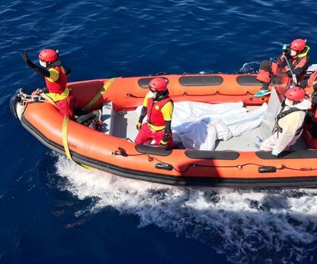 250 migrants feared drowned in Mediterranean