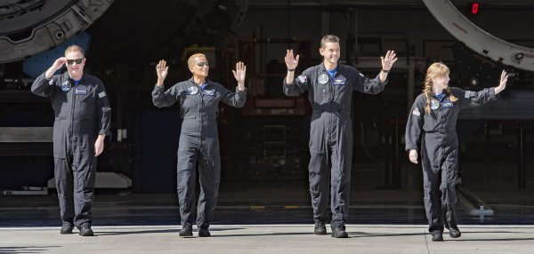 First all-civilian crew to orbit Earth blasts off on Inspiration4