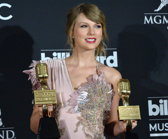 Taylor Swift, Luis Fonsi win top honors at Billboard Music Awards