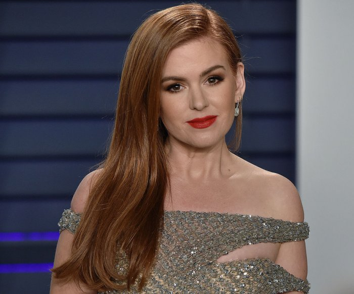 Isla Fisher says Disney's 'Godmothered' redefines 'happily ever after'