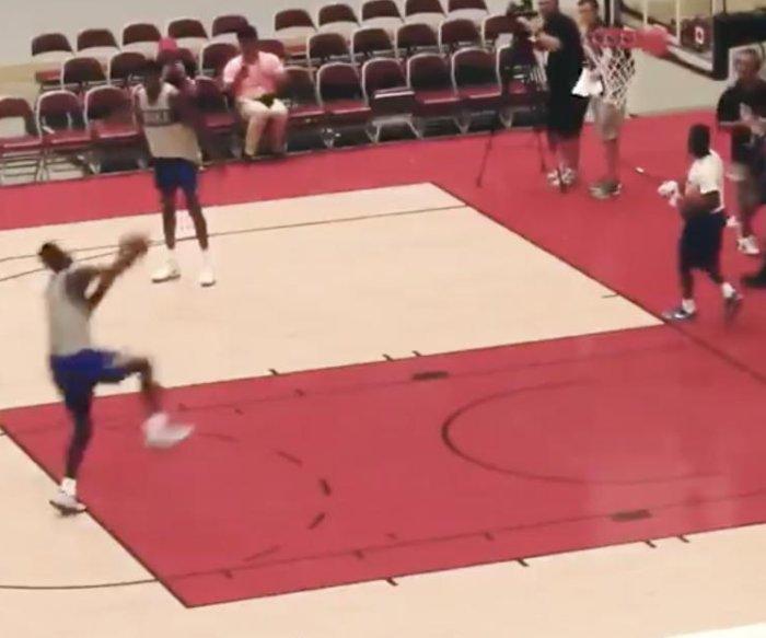 Duke's Zion Williamson dunks from free-throw line