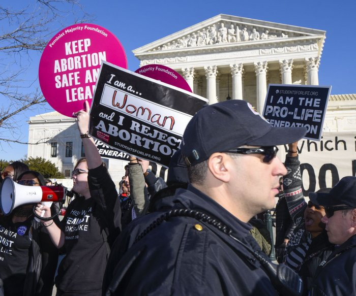 Federal judge strikes down controversial Mississippi abortion ban