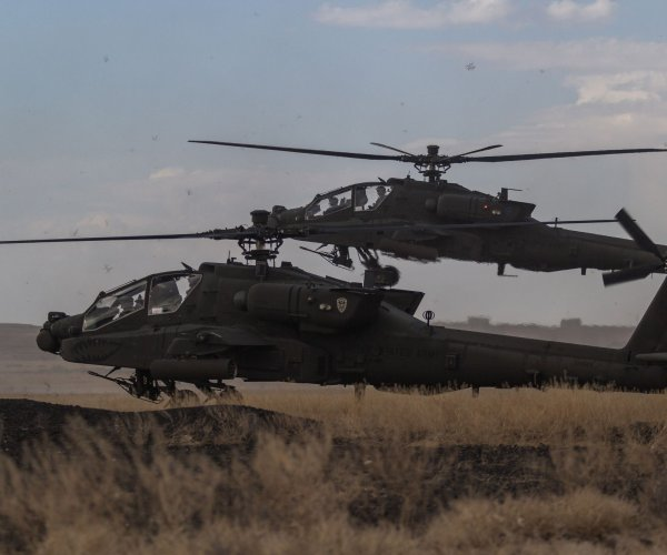 2 killed in military helicopter crash in California